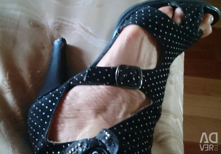 Καλοκαιρινά παπούτσια