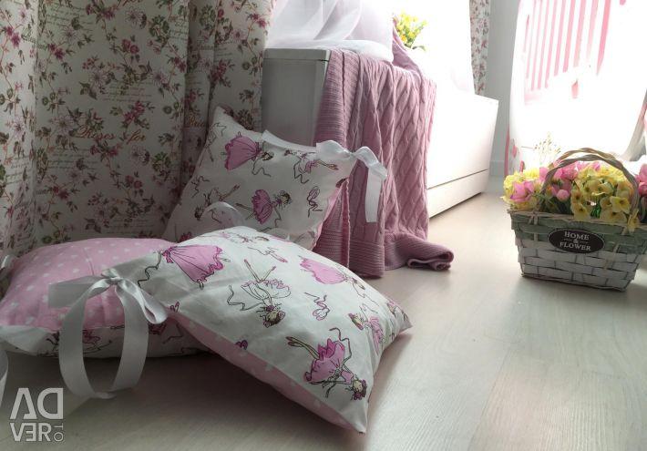 Διπλές πλευρές σε ένα κρεβάτι ΝΕΟ