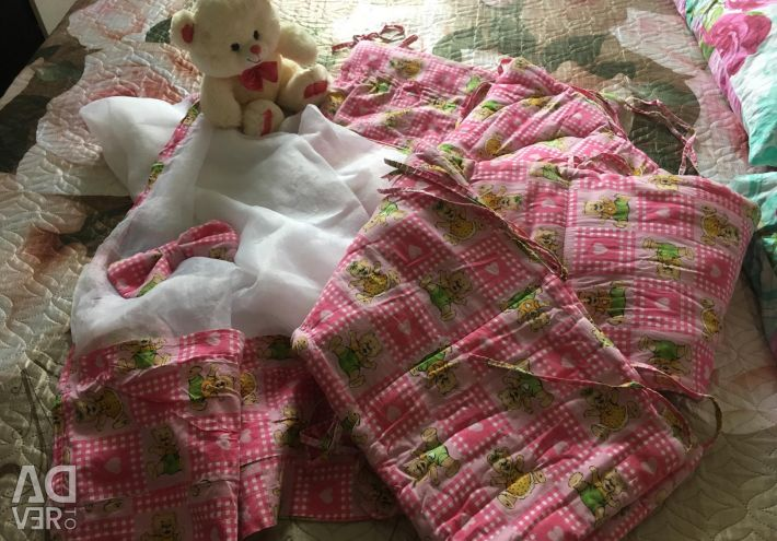Комплект в ліжечко