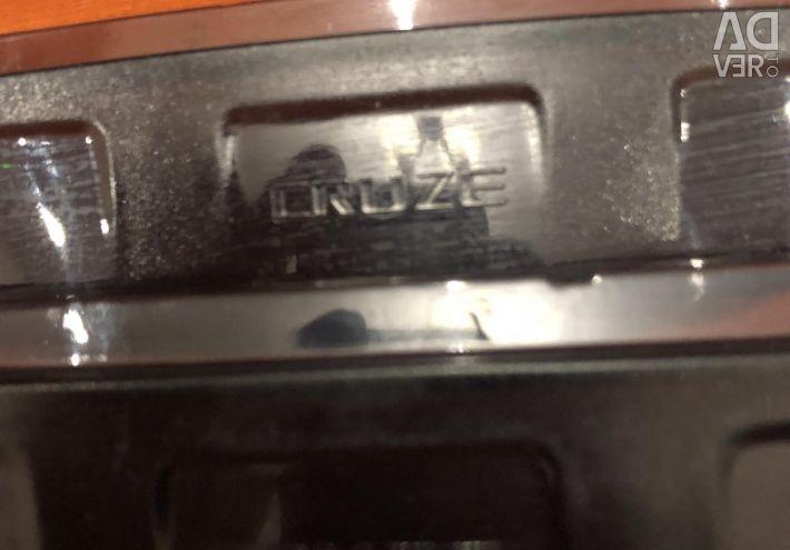 Ο καθρέφτης καλύπτει το Cruz