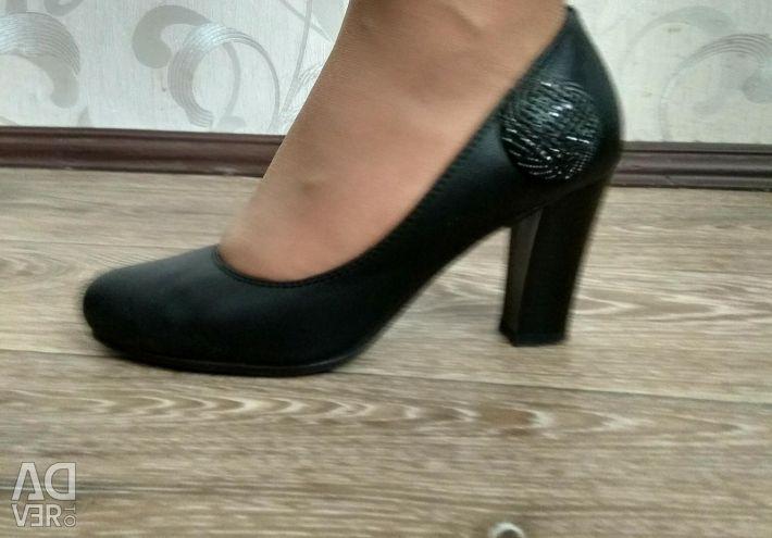 Pantofi 36r