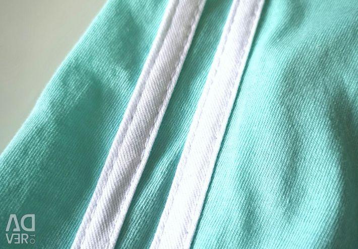 Costum sportiv pentru femei (40,42,44,46,48)