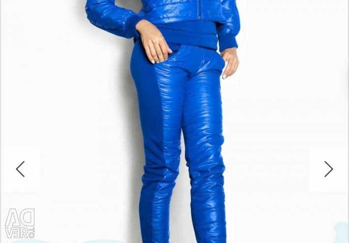 Утеплeнный спортивный костюм новый