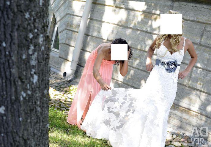 Wedding Dress!!! Urgently !!!