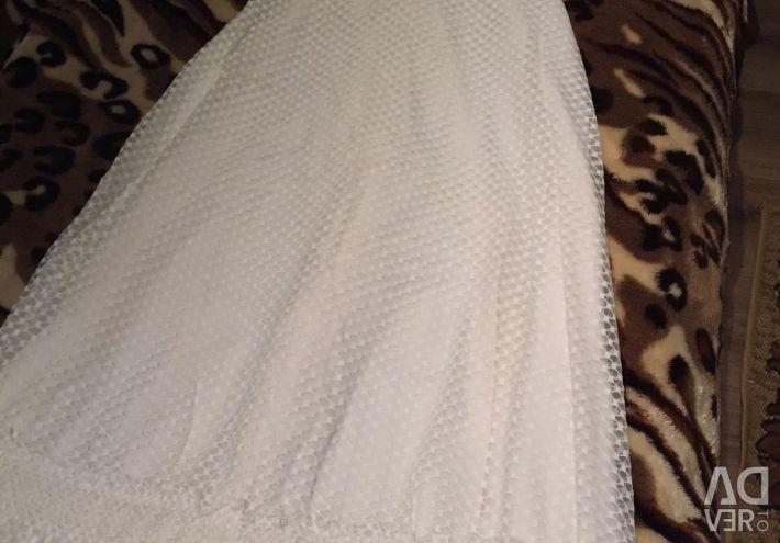 Λευκό, μακρύ φόρεμα 42 σελ.