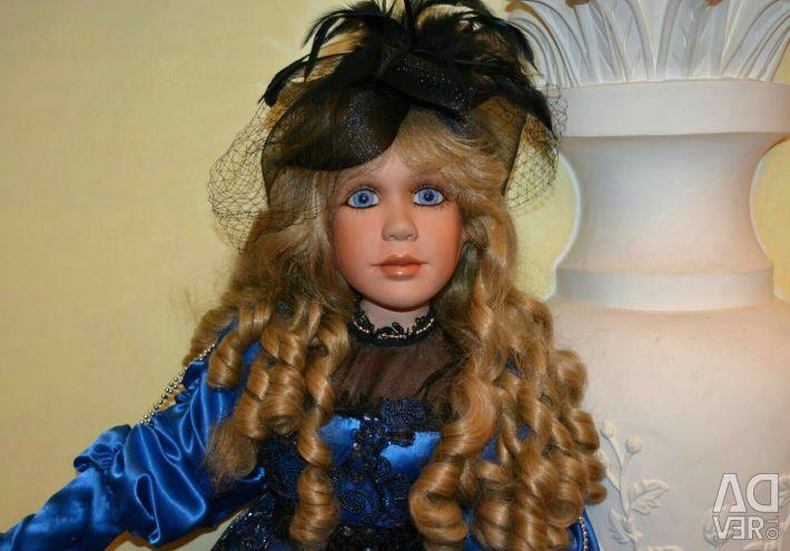 Коллекционная фарфоровая кукла Жанелль
