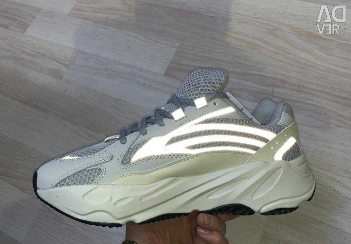 Adidas iz 700 !!!!!!!!!!