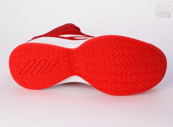 Νέα αθλητικά παπούτσια της Adidas