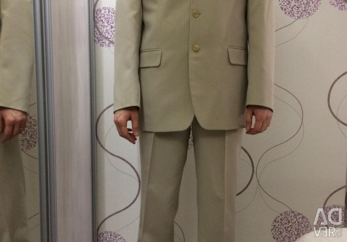 Man's suit with a shirt