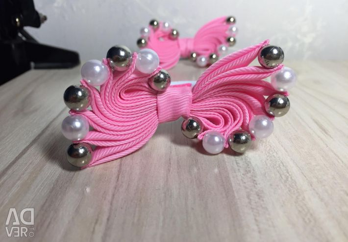 Bows with beads