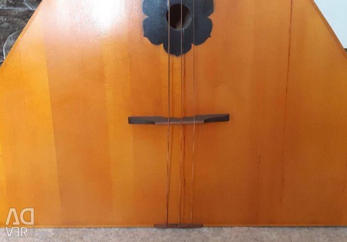 Double bass balalaika