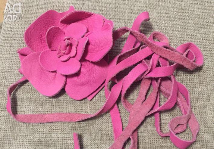 Leather belt rose