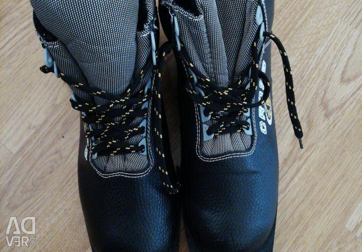 Ski boots 34