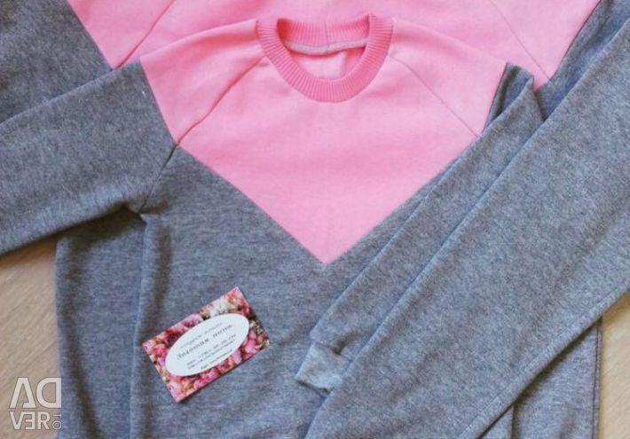 Sweatshirts MOM and Daughter?❤️?