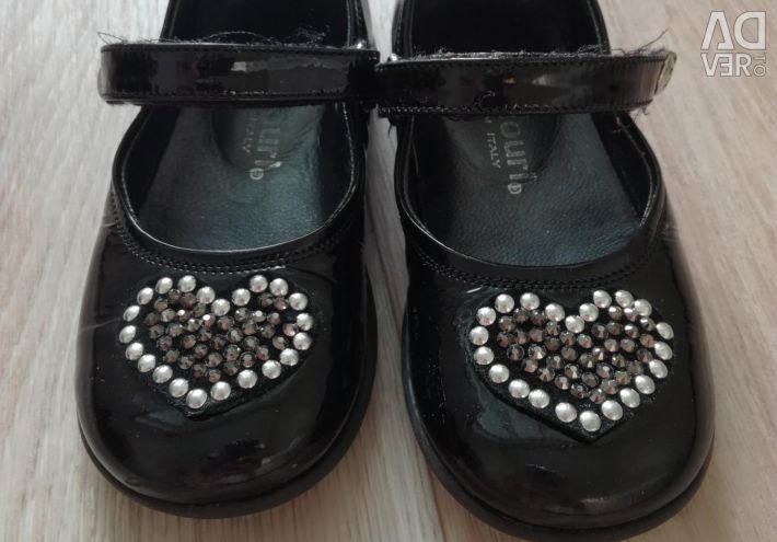 Pantofi mărimea 23
