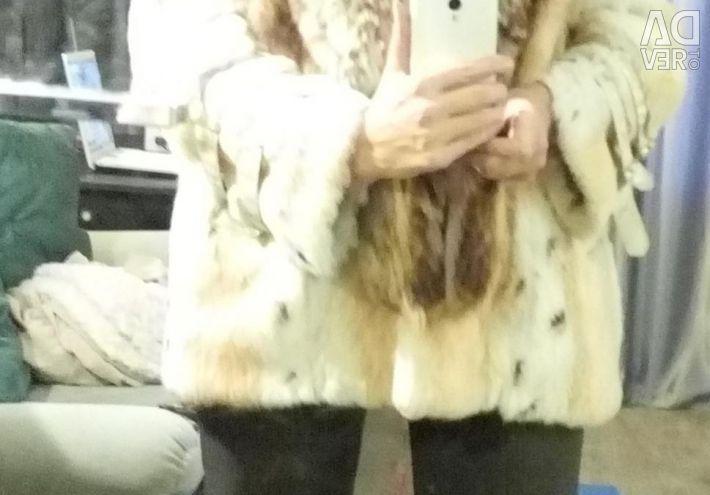 Шуба зимова з єнотова воротнікоі