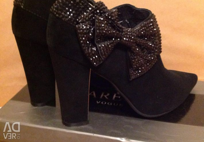 Ankle boots new at 37-38.