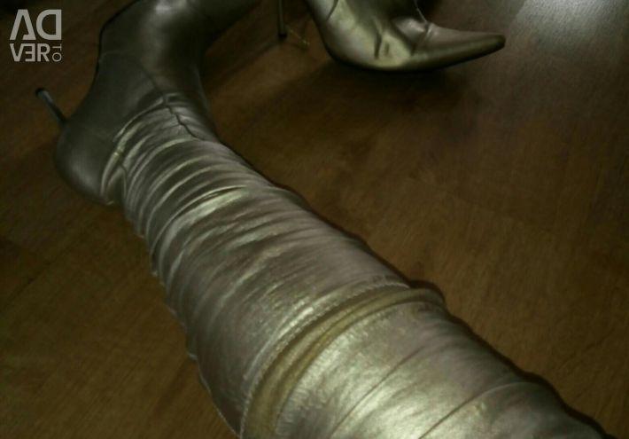 Golden Treads