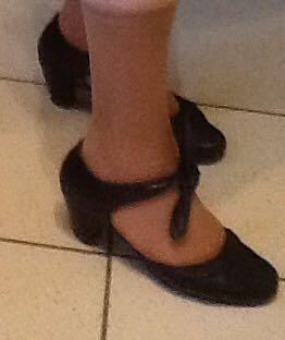 Women's shoes p 40
