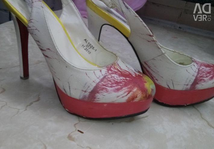 Туфли с закрытым носом б/у