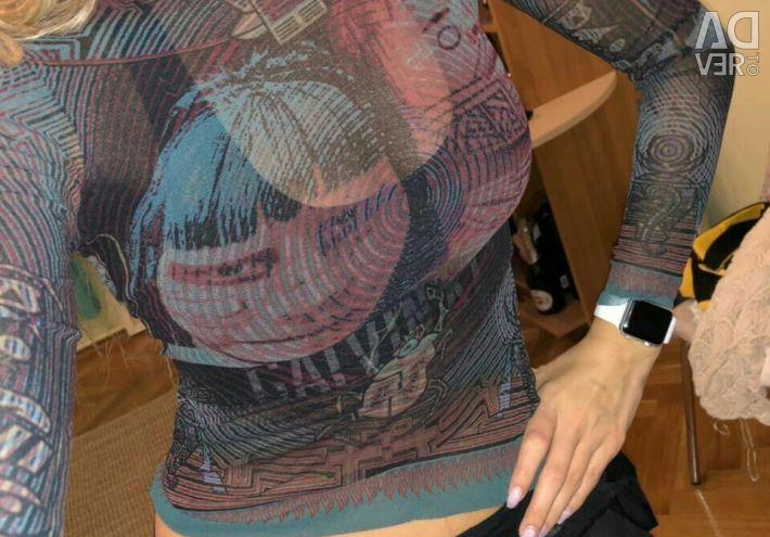 Jacheta este transparentă