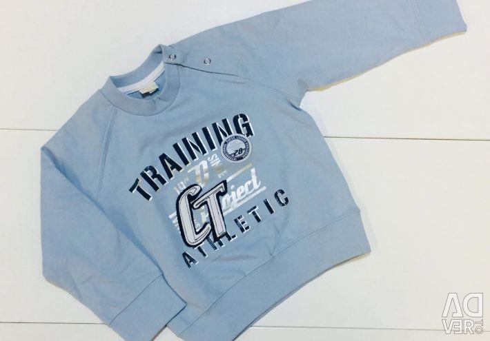 New Stylish sweatshirt Italy