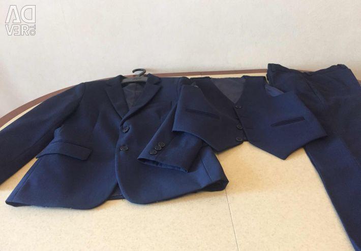 Σχολική στολή για το αγόρι 122-128