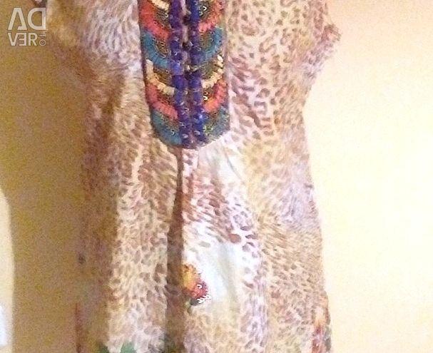 Платье POSTER новое размер М