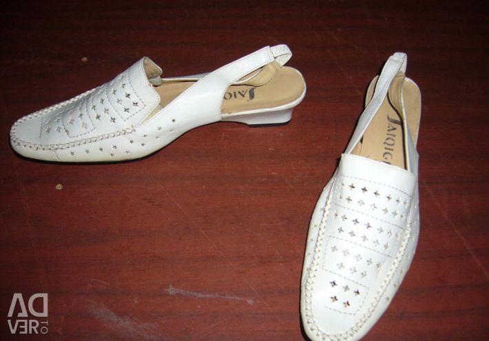 Туфли разные все 39 размер