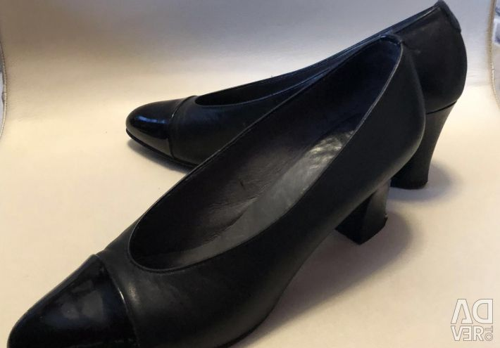 Women's shoes genuine leather, size 39