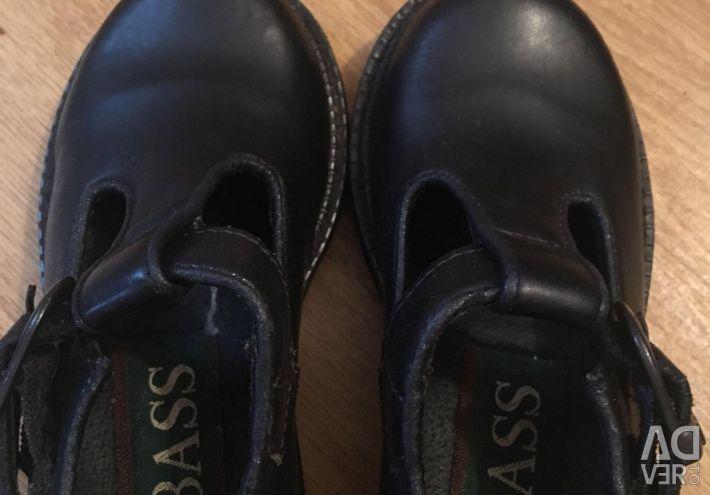 Παπούτσια για το κορίτσι δέρμα νέο, εταιρεία Bass