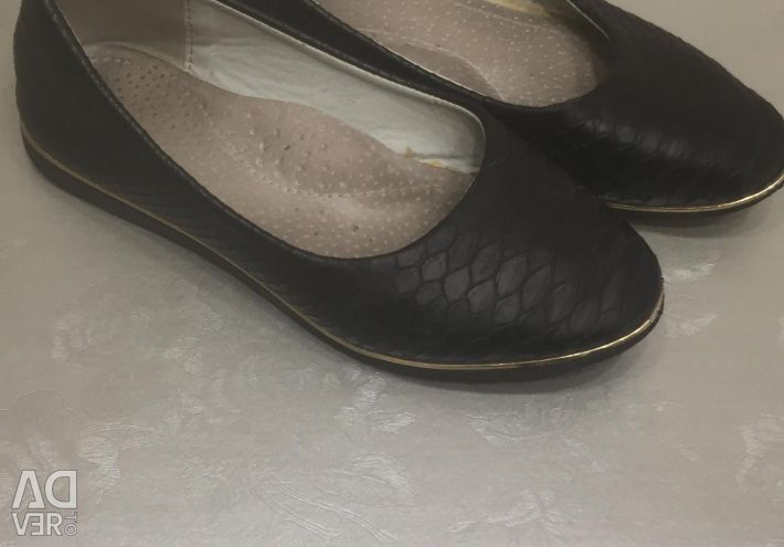 Slippers 28