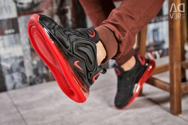 Nike Air Max 720 Siyah / Kırmızı Antrenörler