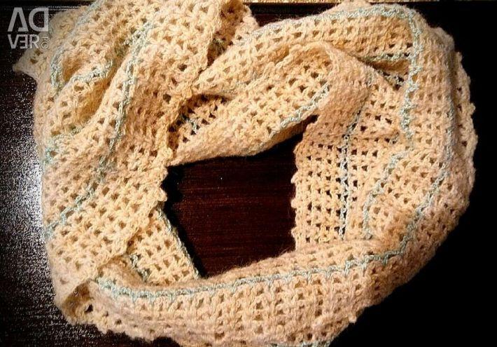 Woolen snood scarf