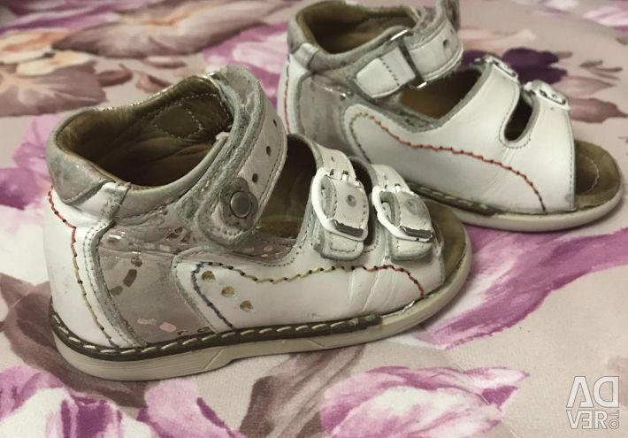 Sandale pentru fata ortopedica