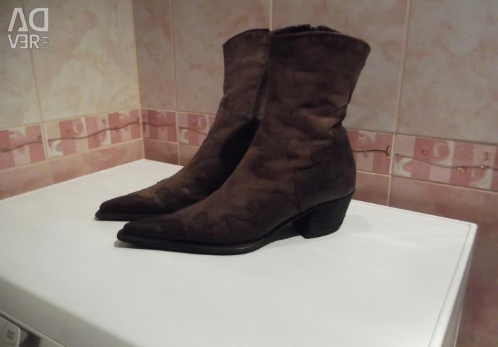 , Monica Coini, nubuck, smooth leather, fur