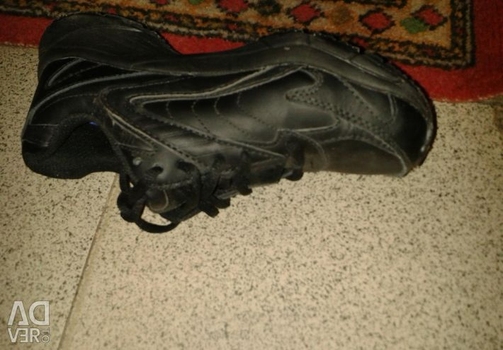 Sneakers600 leather. boots150
