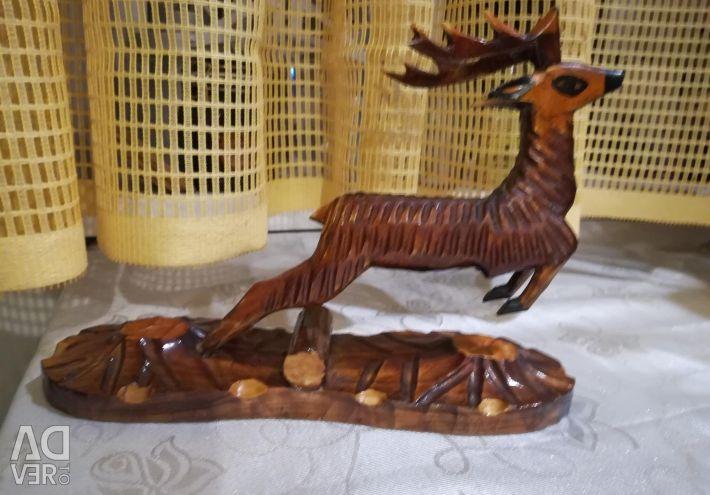 Дерев'яна фігурка оленя времeн СРСР