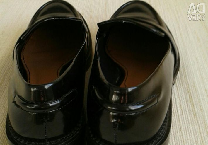 Dimensiune pantofi 37