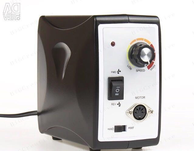 Η ισχυρή συσκευή για μανικιούρ και πεντικιούρ