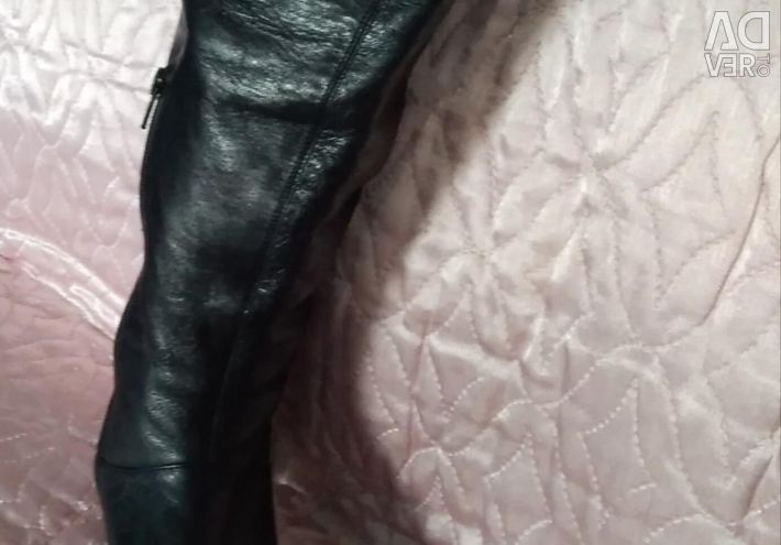 Boots boots (leather) Demi-season.