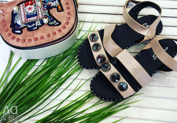Chic sandals large selection of sizes 36-41