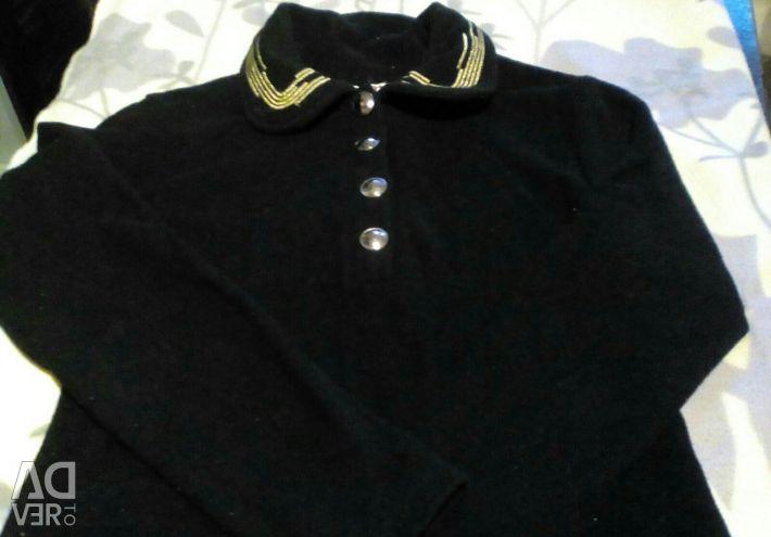 Italian warm blouse