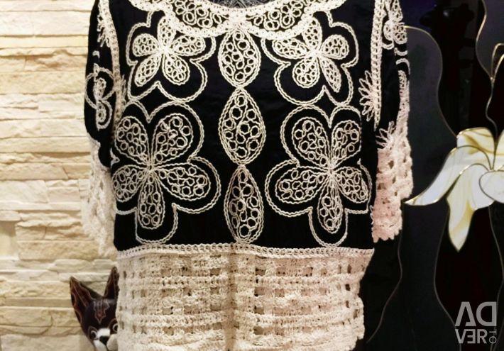 Bluza cu broderie frumoasă
