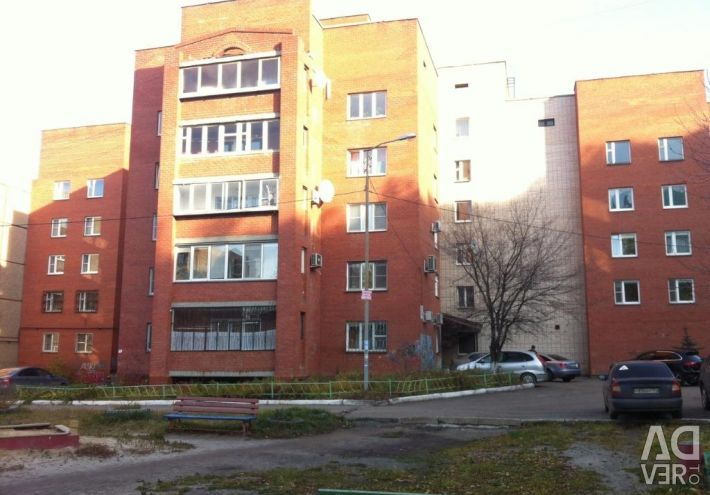 Apartment, 5 or more rooms, 240 m²