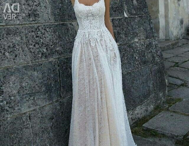 Wedding dress in the style of boho Penelope Oksana Mucha