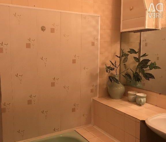 Квартира, 3 кімнати, 85 м²