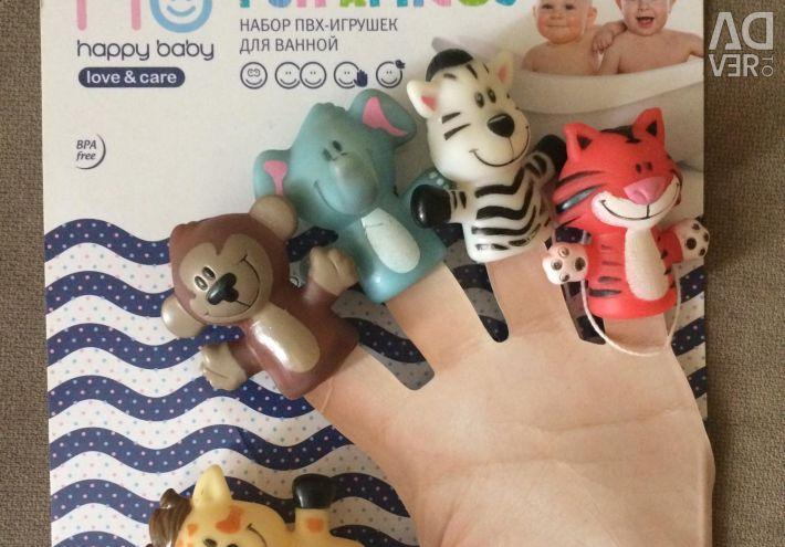 Finger little animals for a bath