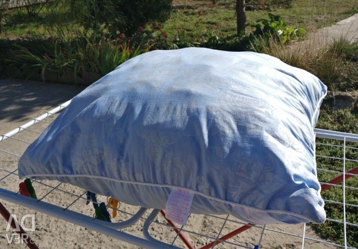 Second-hand pillow 70х70 swan fluff