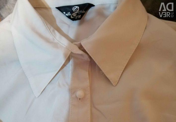 8/10 yıldır okul için bluzlar, 3 bluz için fiyat